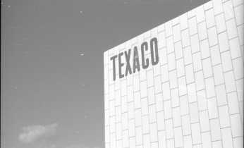 Keld Helmer-Petersen, Texaco-tanken, 1942-1944, Det Kongelige Bibliotek, ©estate of Keld Helmer-Petersen.