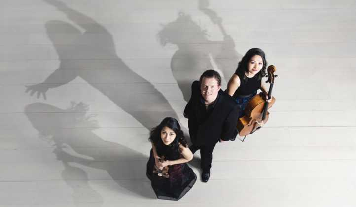 Trio con Brio was founded in Vienna in 1999 and comprises three key figures in Danish musical life: the violinist Soo-Jin Hong, the pianist Jens Elvekjær and the cellist Soo-Kyung Hong.
