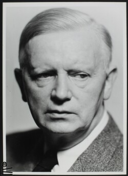 Carl Th. Dreyer 03.02.1889-20.08.1968. Filminstruktør