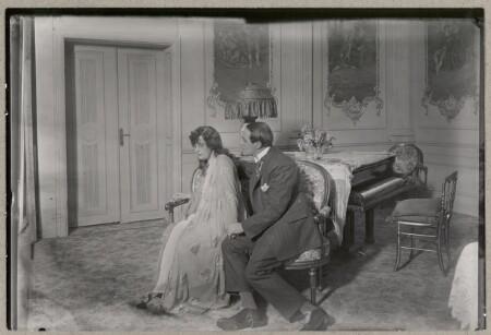 Betty Nansen og Emanuel Gregers i Den grimme Kone